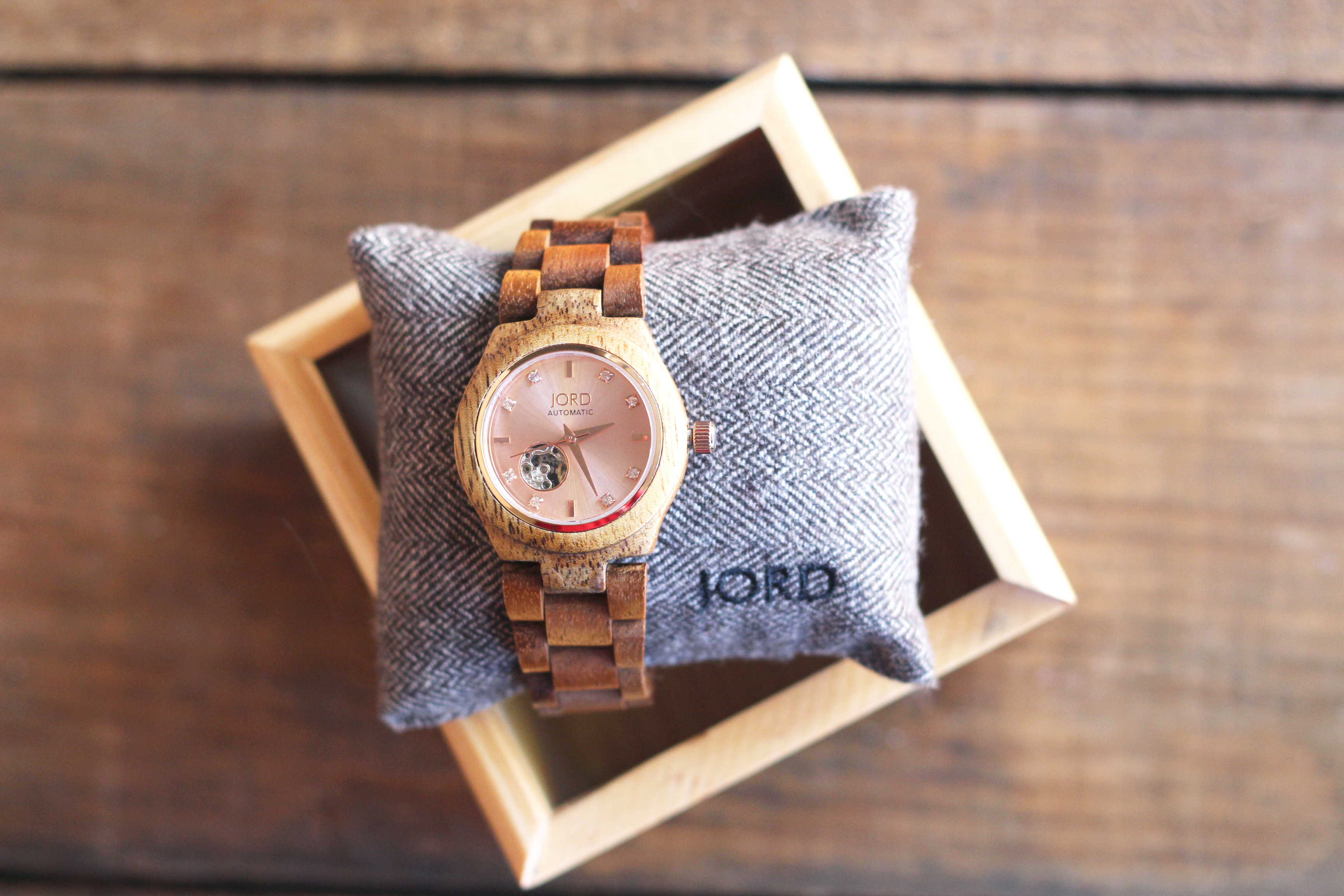Jord watch in box-2